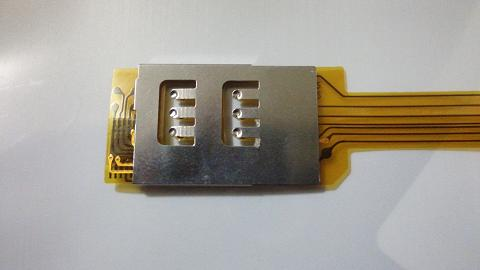 Dual SIMアダプターのSIM-2側(裏?).JPG