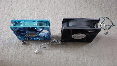 初期型PS3を冷やすファンの新旧比較(続き)...①.JPG