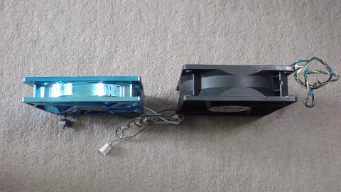 初期型PS3を冷やすファンの新旧比較(続き)...②.JPG