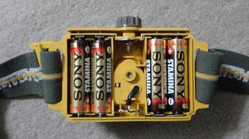 電球とLEDヘッドライトの使用電池③.JPG