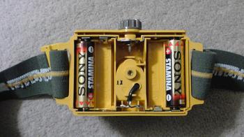 電球とLEDヘッドライトの使用電池④.JPG