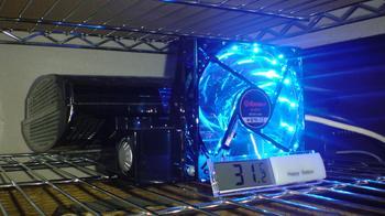 PS3 60GB 冷却装置 温度測定 デジタル温度計 by 100円ショップ①.JPG