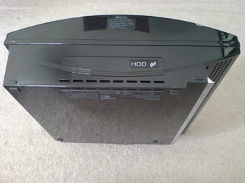 PS3 60GB SSD換装 3 換装前の PS3 60GB 本体底面.JPG