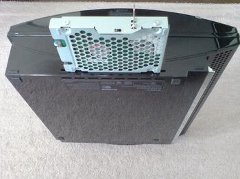 PS3 60GB SSD換装 7 HDDのユニットを引き出す.JPG