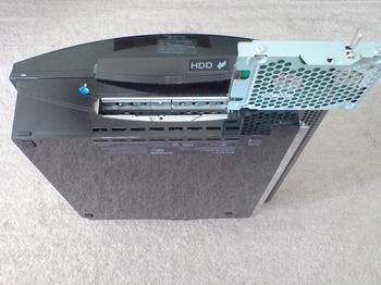 PS3 60GB SSD換装 8 HDDのユニット取り外し後.JPG