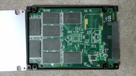 PS3用に換装するSSDの殻割り(OCZ OCZSSD2-2VTXE60G)③.JPG