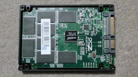 PS3用に換装するSSDの殻割り(OCZ OCZSSD2-2VTXE60G)⑤.JPG