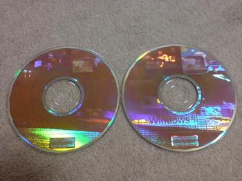 Windows XP Media Center Edition 2005 OEM Software ③.JPG