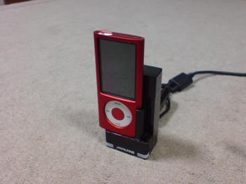 iPod nano 専用の車載ホルダー 作業後 iPod挿し込み.JPG